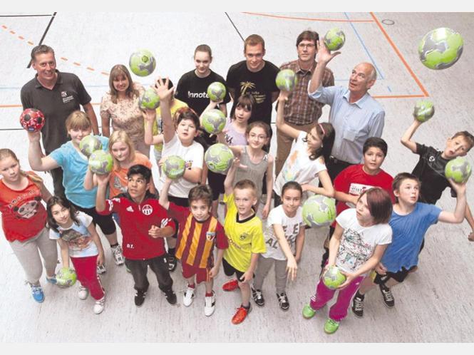 Der HC TuRa führt in dieser Woche auf der Suche nach Talenten in der Gesamtschule ein Handballtraining durch.