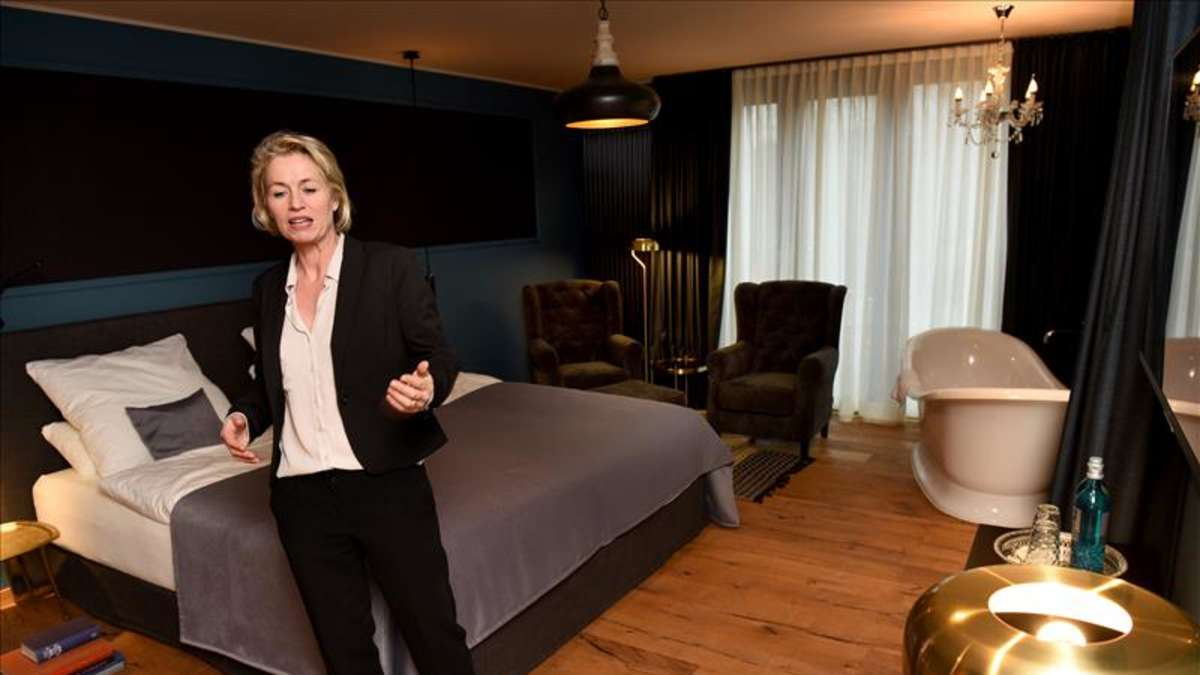 empfang zur er ffnung hotel gut sternholz hamm. Black Bedroom Furniture Sets. Home Design Ideas