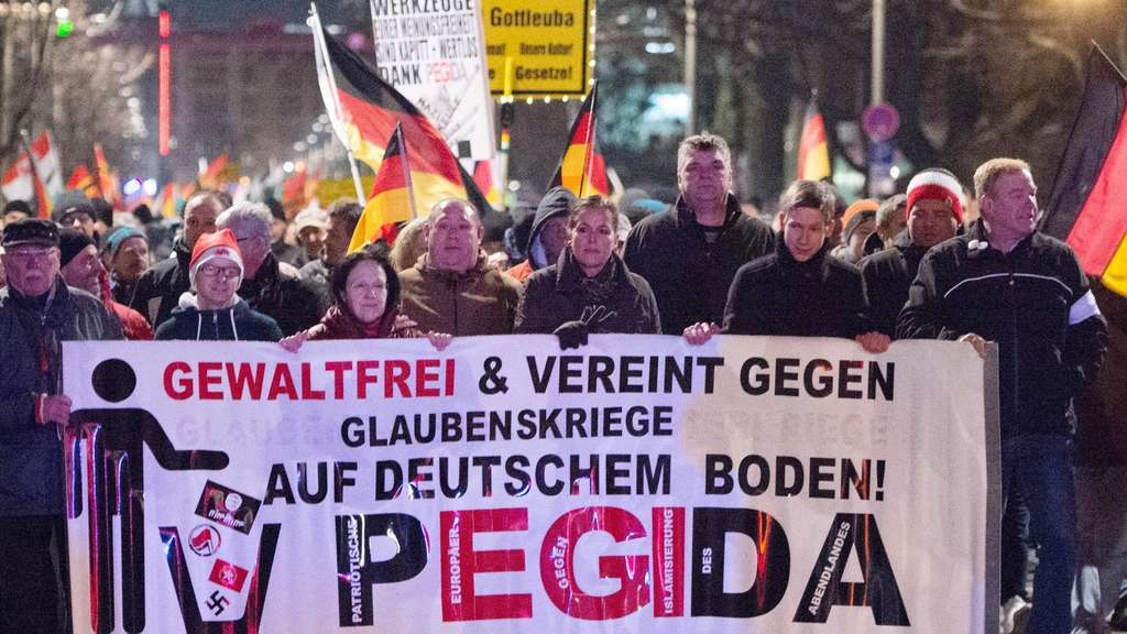 AfD, Pegida, Demonstration, Flüchtlinge