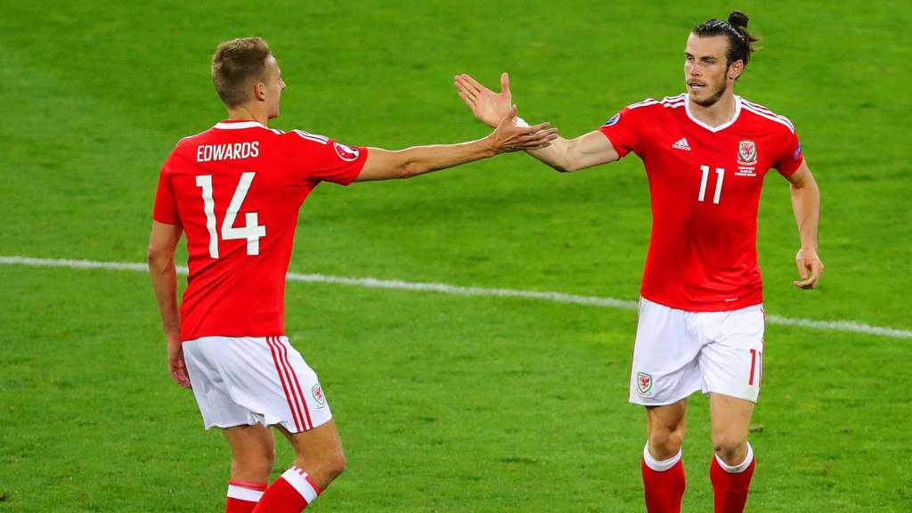 EURO 2016 - Group B Russia vs Wales