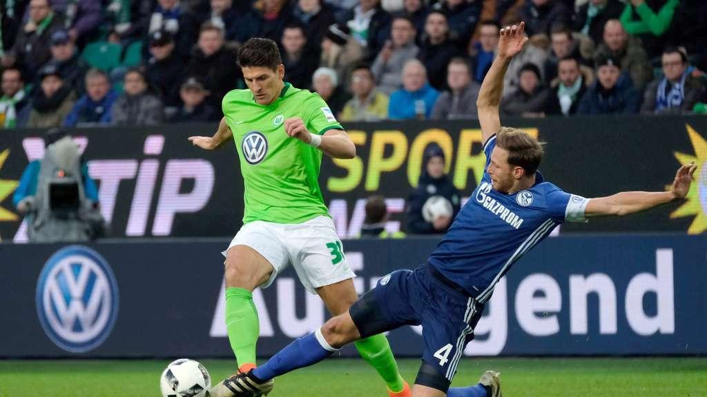 Nach Schiri-Kritik: Wolfsburgs Gomez attackiert Völler