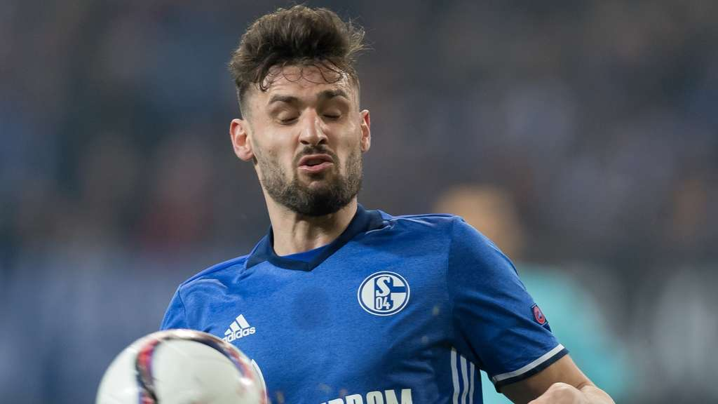 Fußball: Bayer taumelt Richtung Tabellenkeller - 1:4 gegen Schalke