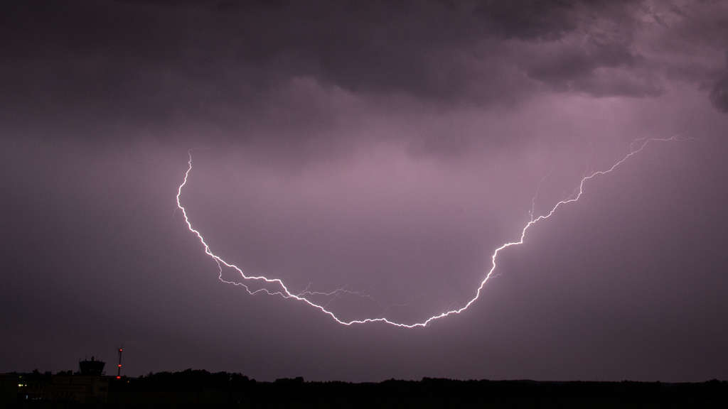 Wetterdienst warnt vor Gewittern und Starkregen