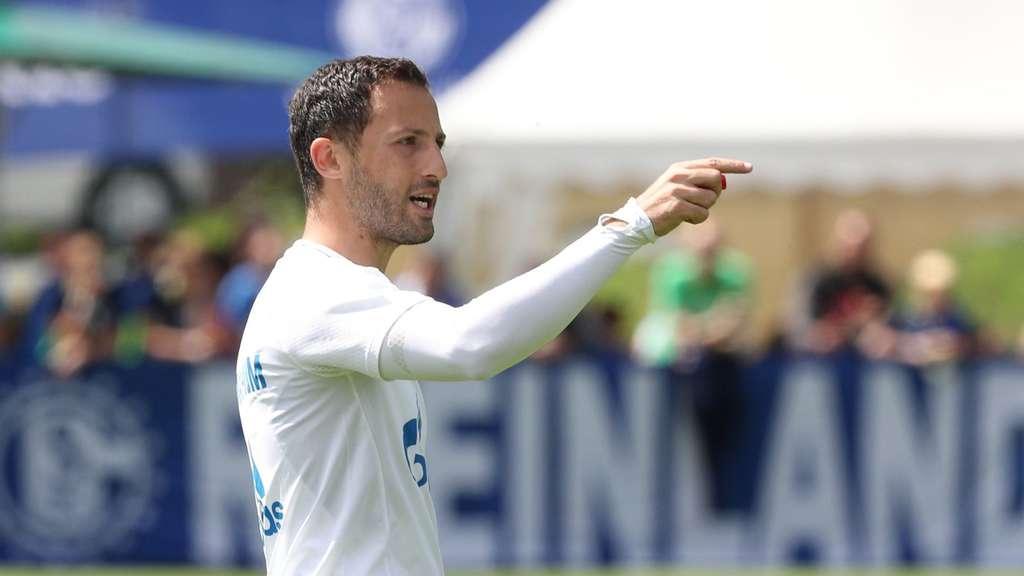 Höwedes von neuem Schalke-Trainer als Kapitän abgesetzt