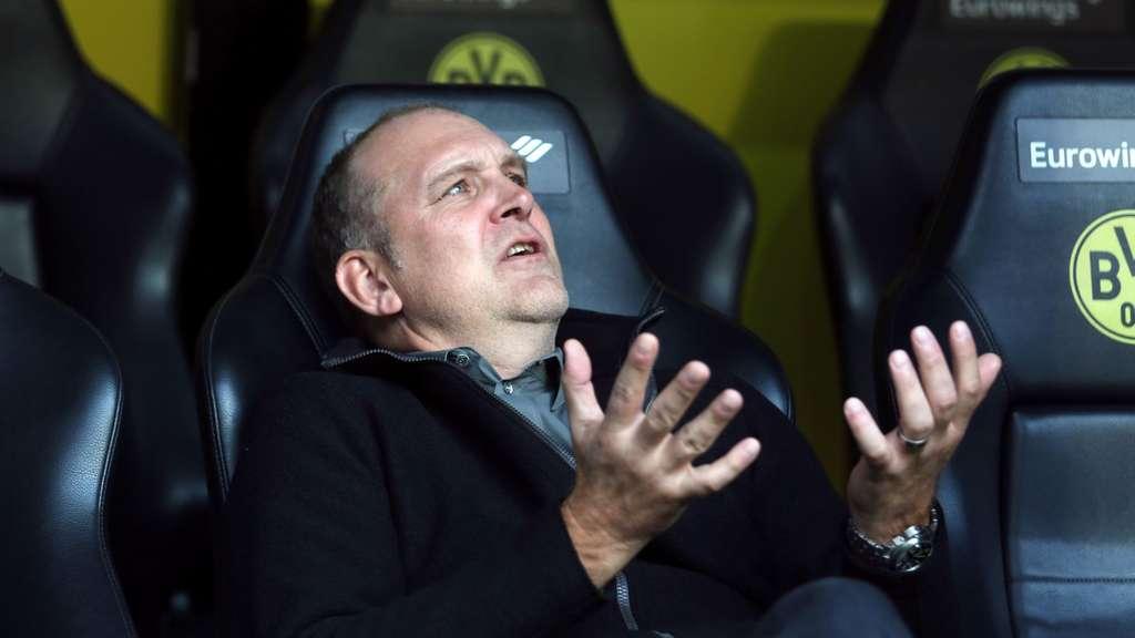 Köln mit 0:5! Angezählter Stöger stürmt auf Rasen