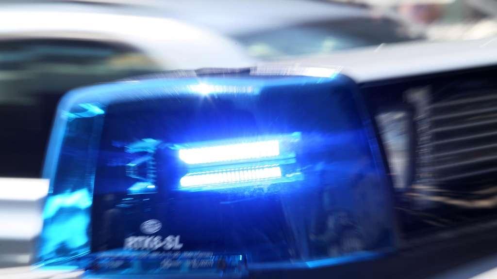 Streit unter Jugendlichen endet mit Messerstich - Polizei stellt 16-jährigen Tatverdächtigen