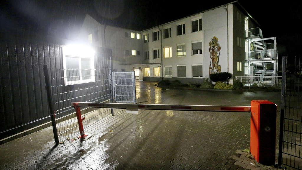Dutzende Bewohner bei Brand in Rüthener Asyl-Unterkunft verletzt