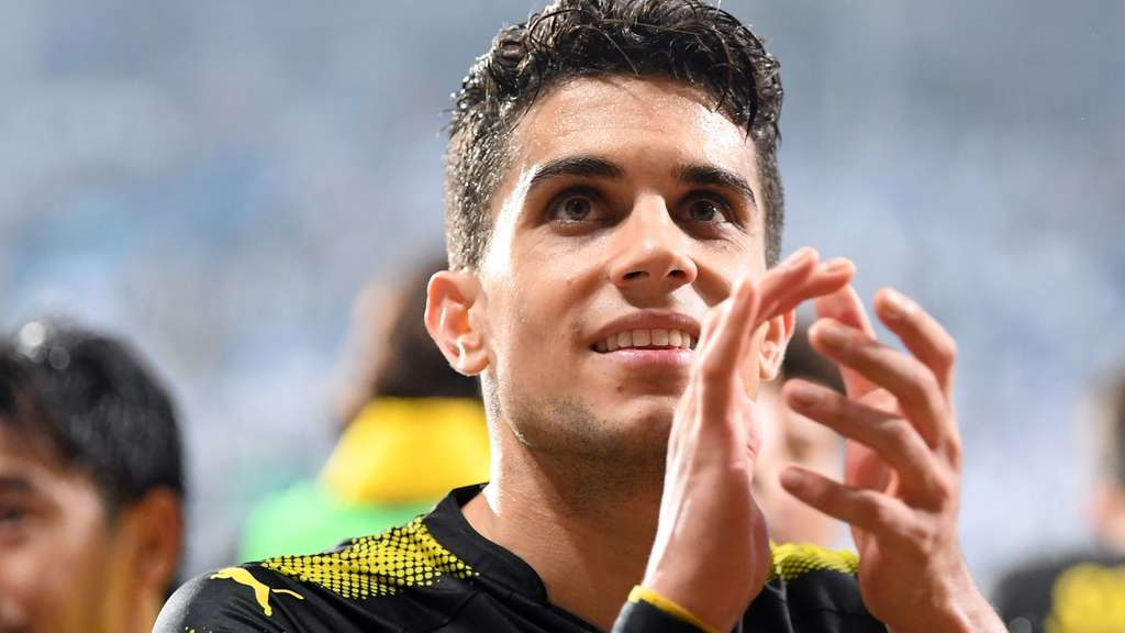 Marc Bartra verabschiedet sich am Donnerstag von seinen BVB-Kollegen und den Fans