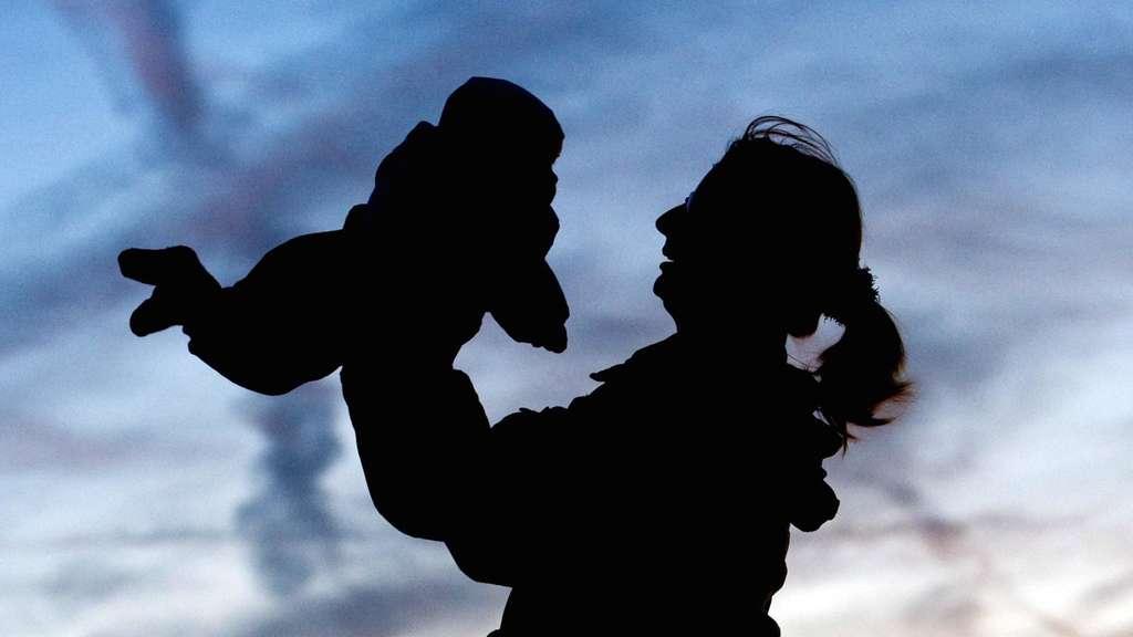 KORREKTUR im zweiten Absatz: Lebenserwartung für Jungen und Mädchen steigt weiter an