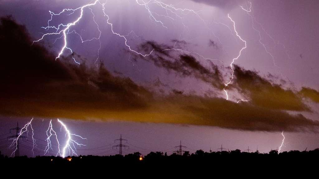 Für den Kreis Soest: Deutscher Wetterdienst warnt vor starken Gewittern