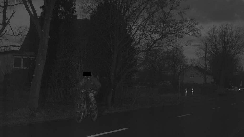 Mit dem Mountainbike durch die Blitzeranlage