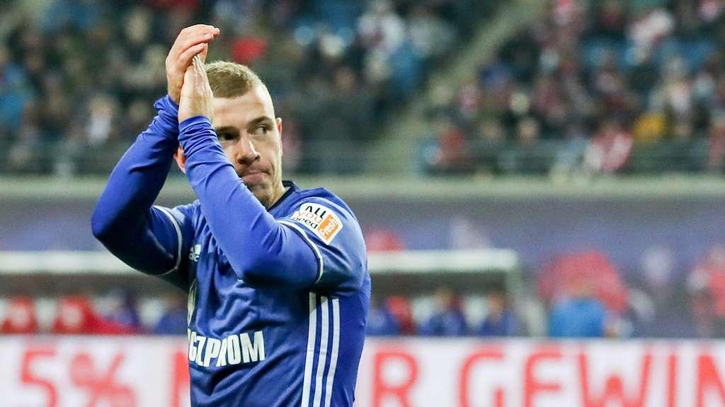 Mobbing? Schalke wirft Star-Kicker Meyer raus