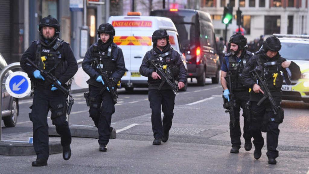 Nach Messerangriff auf London-Bridge: Mehrere Verletzte - Schüsse sind gefallen