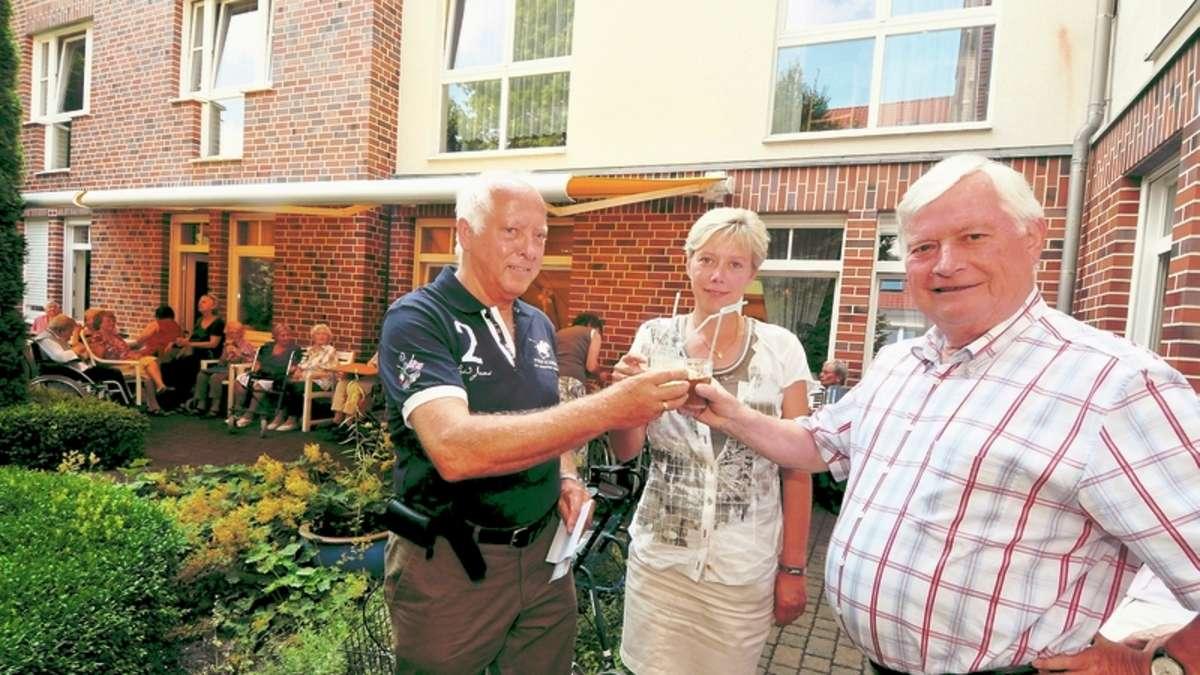 F Rderverein Spendet Reginenhaus F R 5000 Euro Schatten Hamm
