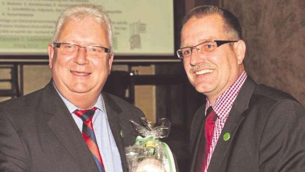 Theo Scharbaum (rechts) tritt die Nachfolge von Ludger Wienkamp an, der sechs Jahre lang Vorsitzender war.  - Fotos: M. Wiesrecker
