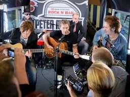 Peter Maffay Weihnachtslieder.Peter Maffay Und Band Rocken Live Im Intercity 2229 Werbetrommel