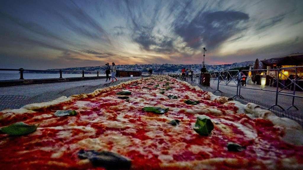 Längste Pizza Der Welt In Neapel Gebacken Deutschland Welt