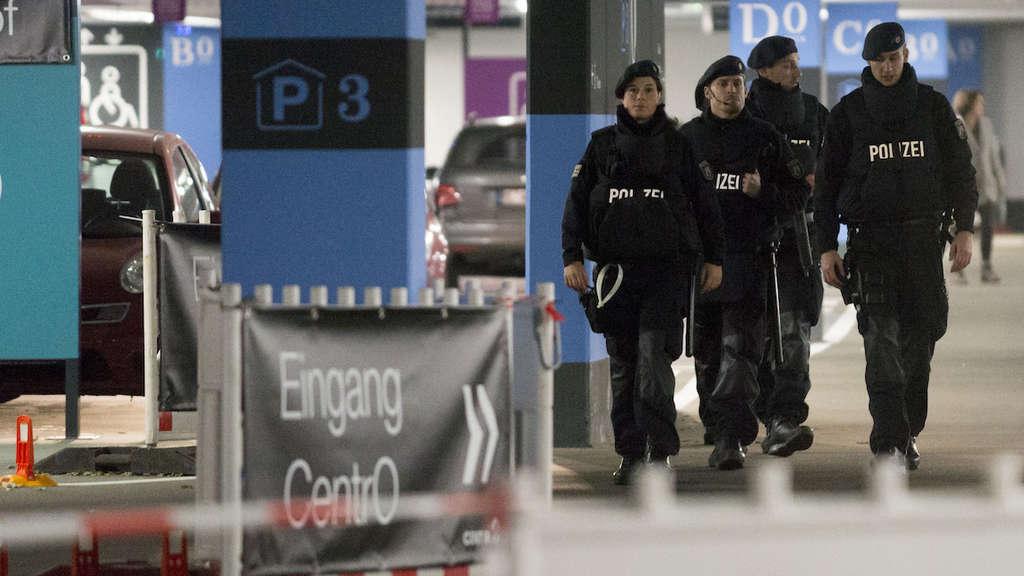 41b6c47d1cb64 Polizei verhindert möglichen Anschlag in Centro Oberhausen: Zwei ...
