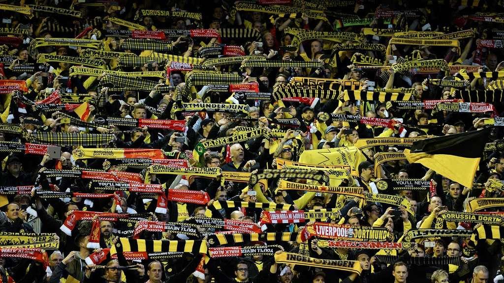 Fans Von Borussia Dortmund Und Fc Liverpool Erhalten Fifa Fan Award