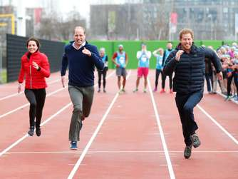 Video: William, Harry und Kate liefern sich Wettrennen