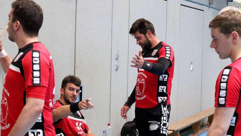 Das Trainerduo Florian Warias und Tino Stracke wird die Niederlage bei der Ahlener SG genau unter die Lupe nehmen - Foto: Liesegang