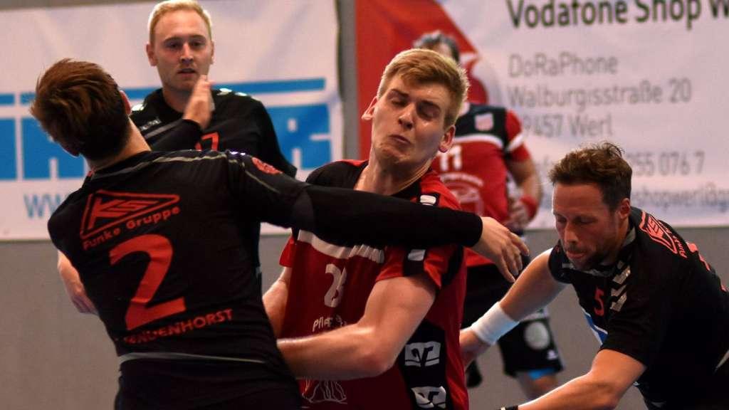 Dominik Sürig (Mitte) ist einer der gesundheitlich angeschlagenen Spieler beim RSV - Foto: Bauer