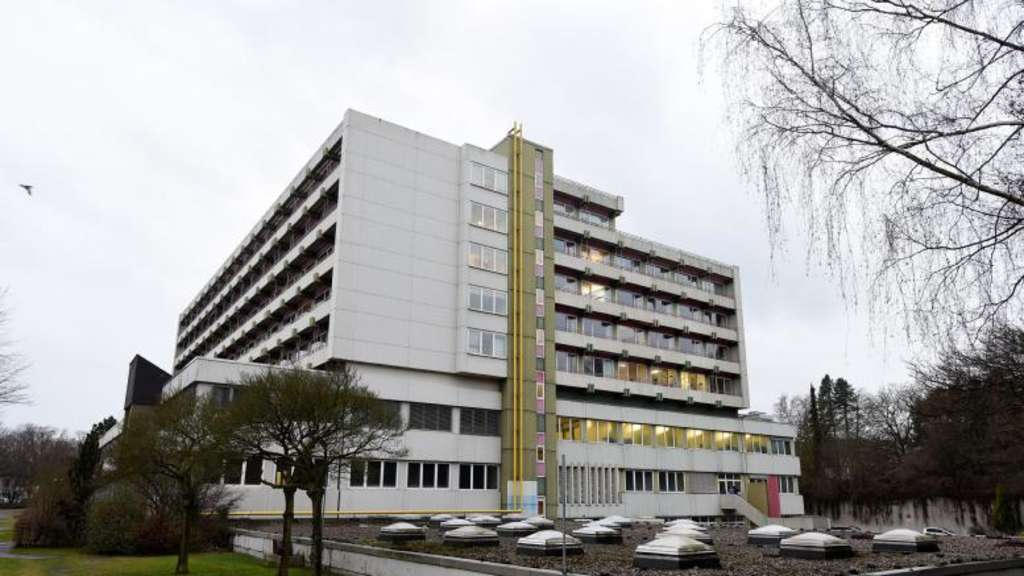 Zur Rettung des St Josef Krankenhauses Seniorin sammelt