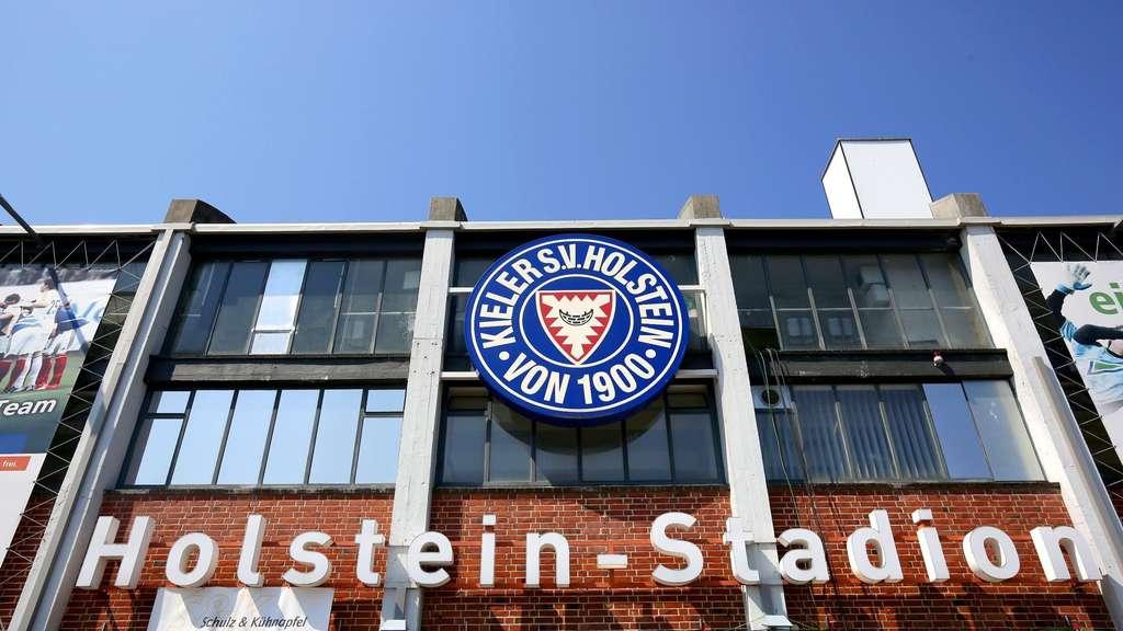 Relegationsspiel Vfl Wolfsburg Und Holstein Kiel Live Im Tv Live