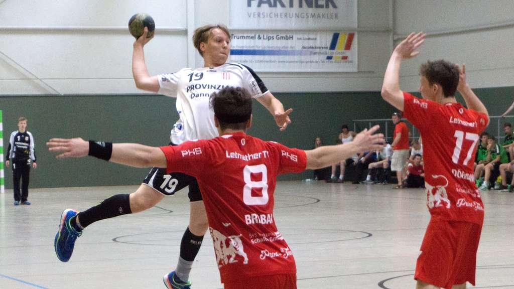 Die Altenbögger B-Jugend (links Felix Ramsbrock) musste sich nur dem Topfavoriten Letmathe geschlagen geben. Foto: Nina Gedowski