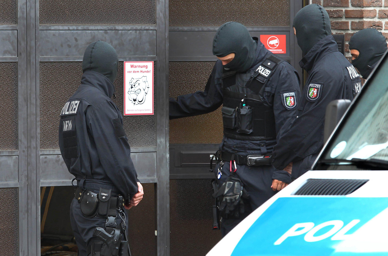 73273465-polizeieinsaetze-gegen-rocker.jpg