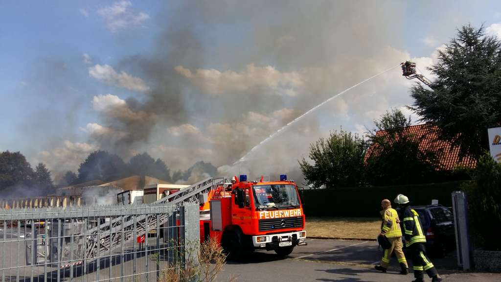 Wieder Im Gewerbegebiet Wasserturm Großbrand In Lippstadt