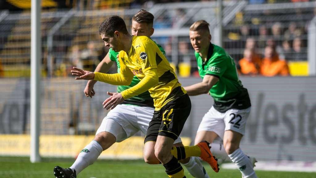 So Sehen Sie Hannover 96 Borussia Dortmund Am Freitagabend Live Im