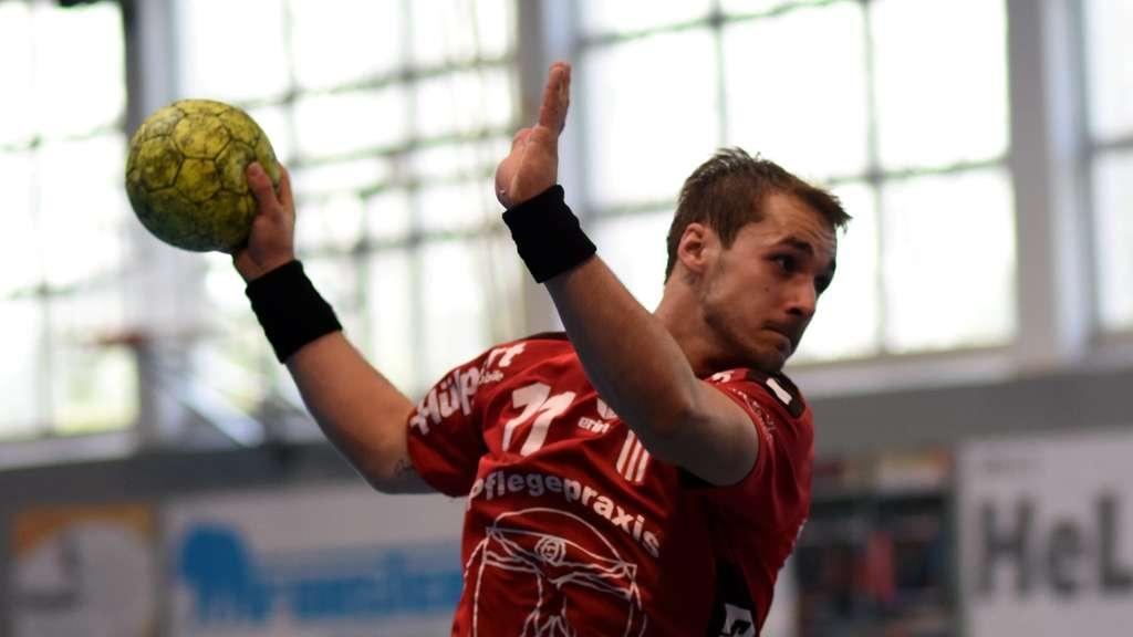 Der rechtzeitig zum Spiel in Brechten genesene Lukas Florian rettete neun Sekunden vor Schluss mit seinem Tor den Punkt für den RSV Altenbögge.- Foto: Boris Baur