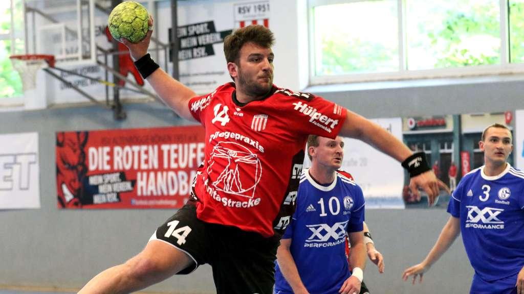 Florian Warias muss wegen seiner Sperre gegen Recklinghausen zusehen. Der RSV will seinen Ausfall am Kreis mit Flexibilität kompensieren - Foto: Boris Baur