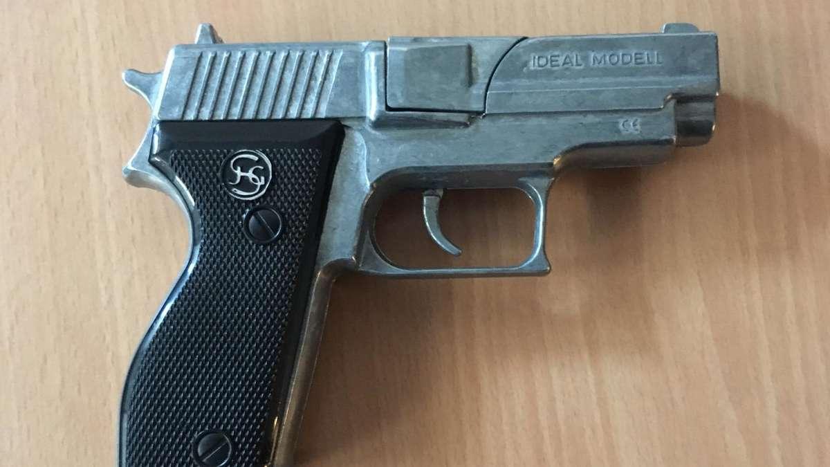 Jugendliche kommen in Hagen mit einer Spielzeugpistole zur ...