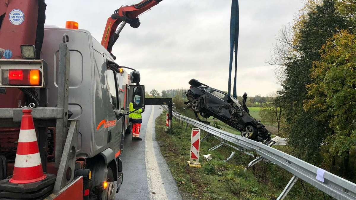 Schwerer Unfall auf der A2 bei Oelde: BMW überschlägt sich mehrfach, Fahrer schwer verletzt | Nordrhein-Westfalen - Westfälischer Anzeiger