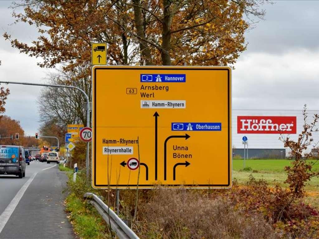 Offizielle Eroffnung Des Neuen Hammer Mobelhauses Verhaltener Auftakt Fur Mobel Hoffner Hamm