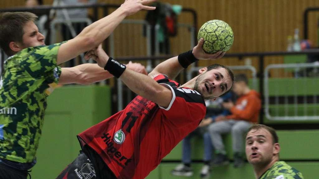 Die erste Niederlage wollen Lukas Florian und die Altenbögger Spitzenreiter Westfalia Herne beifügen.© Markus Liesegang