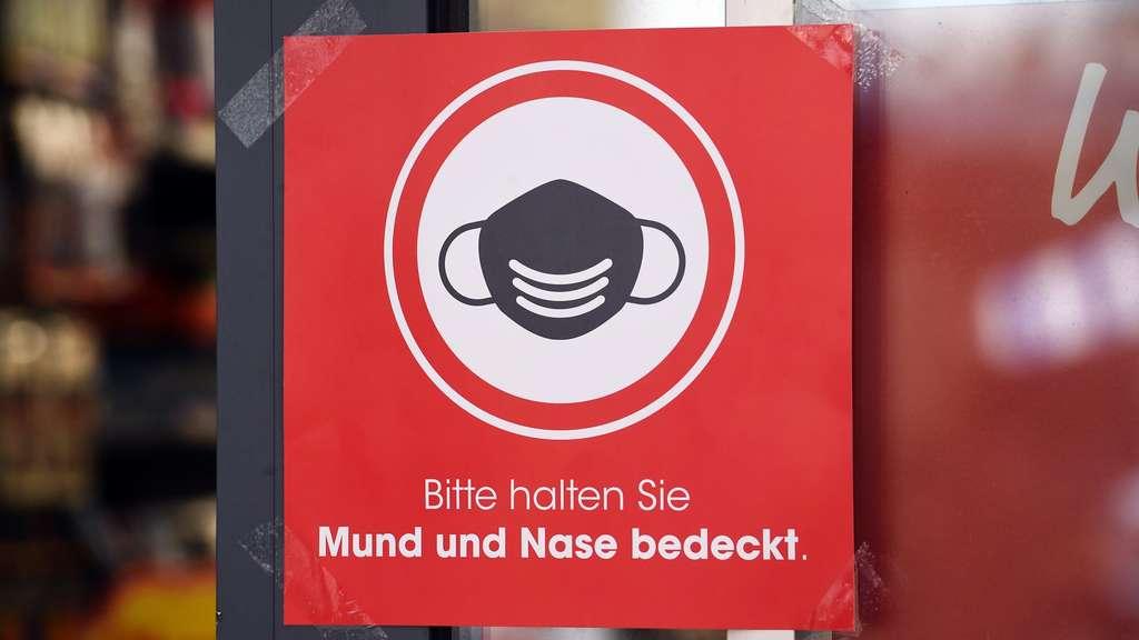 Bayreuth (Bayern): Schild an Restaurant sorgt für extreme ...