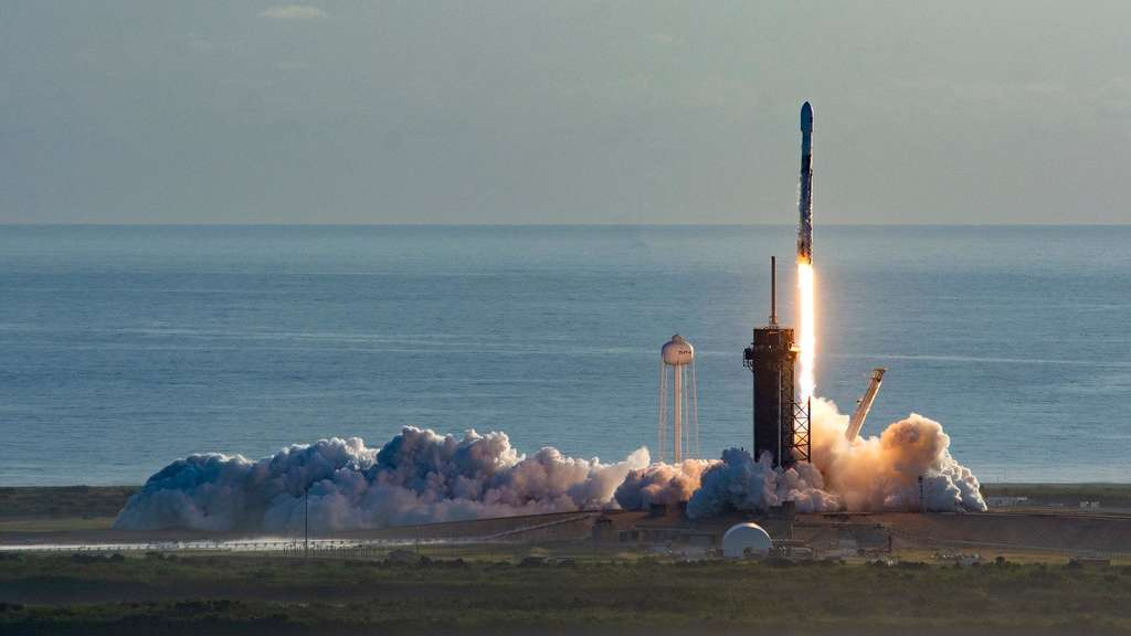 "SpaceX bringt erneut 60 ""Starlink""-Satelliten ins All"