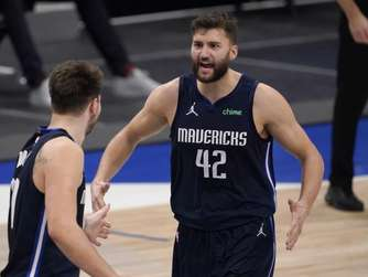 Mavericks gewinnen nach Curry-Doncic-Spektakel