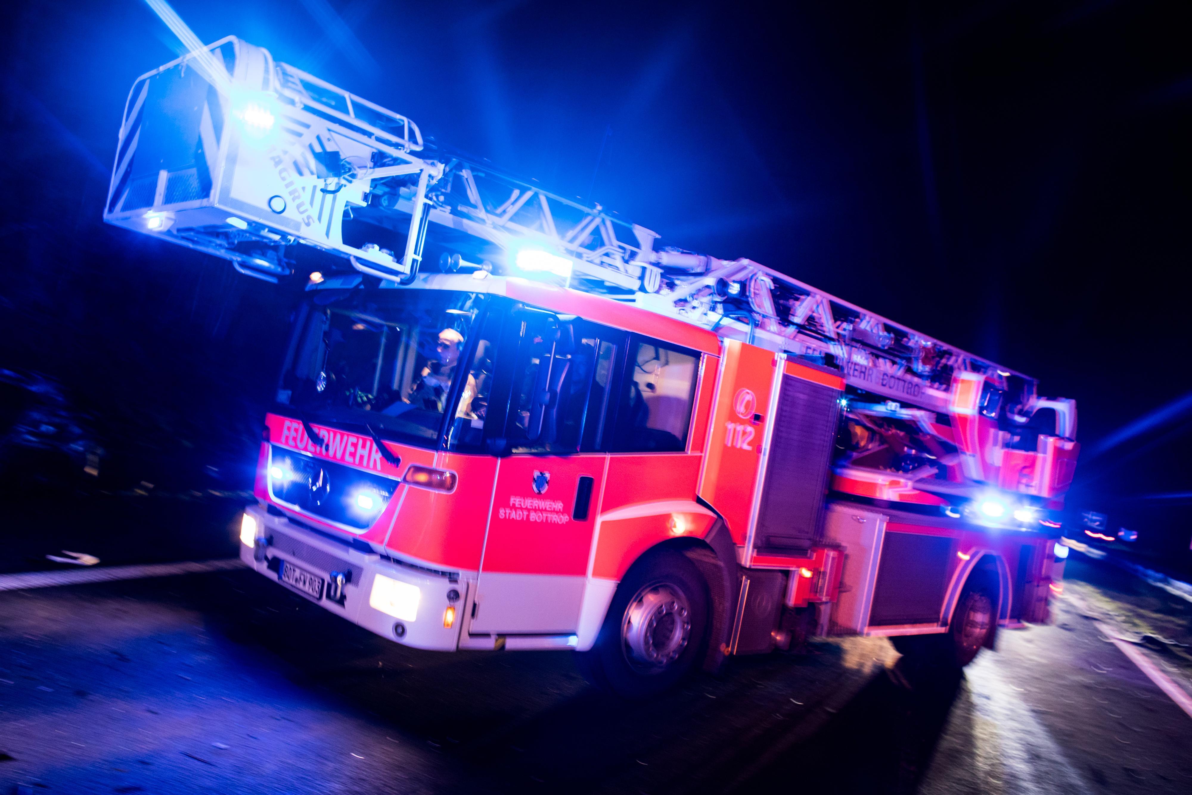 Wohnungsbrand in Hamm: Rauch zieht aus dem sechsten Stock – Feuerwehreinsatz beendet