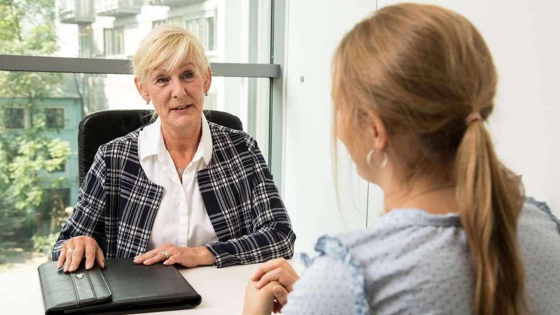 Mit Gehaltsverhandlung nicht immer bis zum Jahresgespräch warten