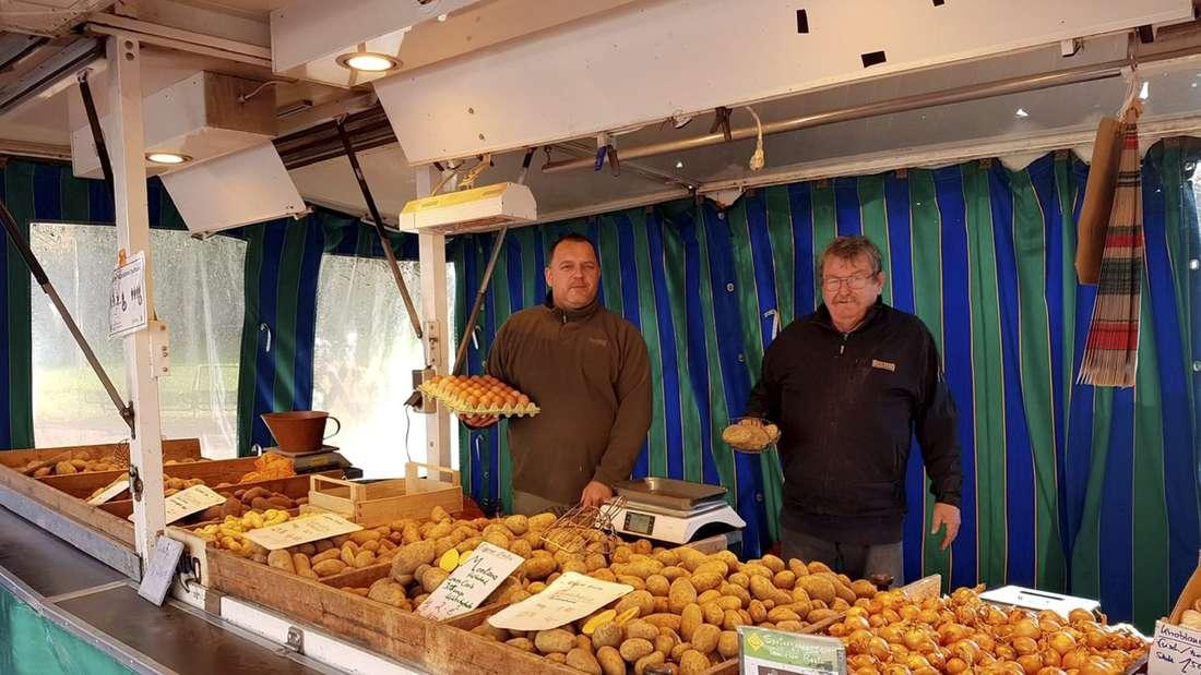 Markt Marktstand Kartoffeln Markthändler
