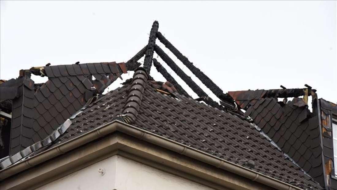 Dachstuhlbrand in Hamm: Feuerwehr an der Wilhelmstraße im Großeinsatz